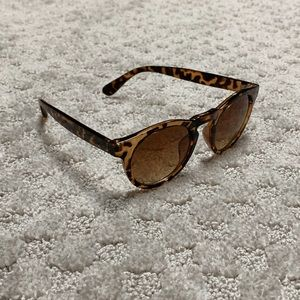 Accessories - Cheetah print sunglasses